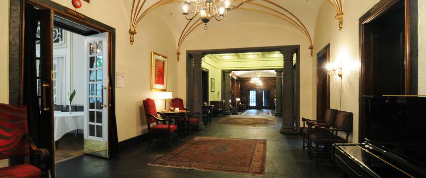 Grand Hotel Terminus, Bergen, Norway - hotel lobby.jpg